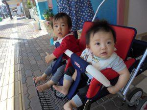 保育園に着くとかわいい 赤ちゃんたちがお出迎え♩ 「おかえりなさーい」